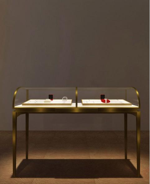 Luxury Temper Glass Retail Glass Jewellery Shop Showcase
