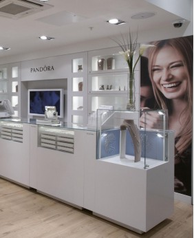 High End Display Cabinets For Jewelry Store
