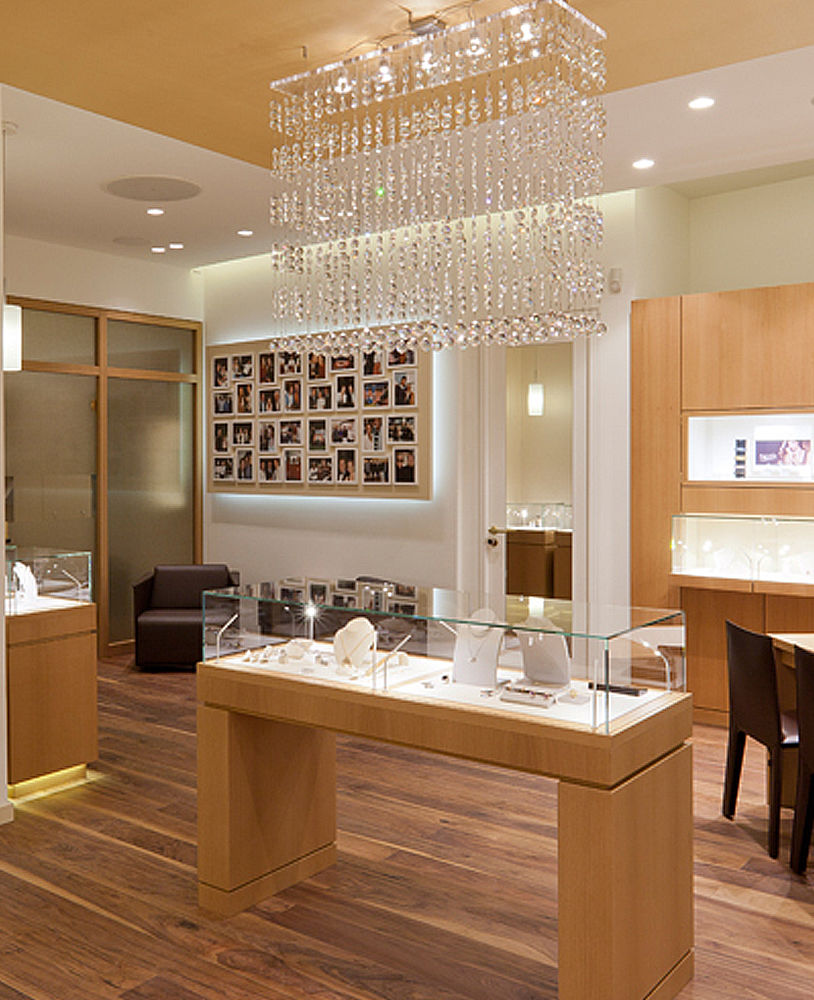 Creative Interior Design: Creative Luxury Jewelry Store Interior Design