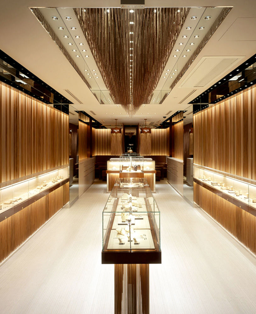 Best Furniture Shop: High End Jewellery Store Display Cases Design