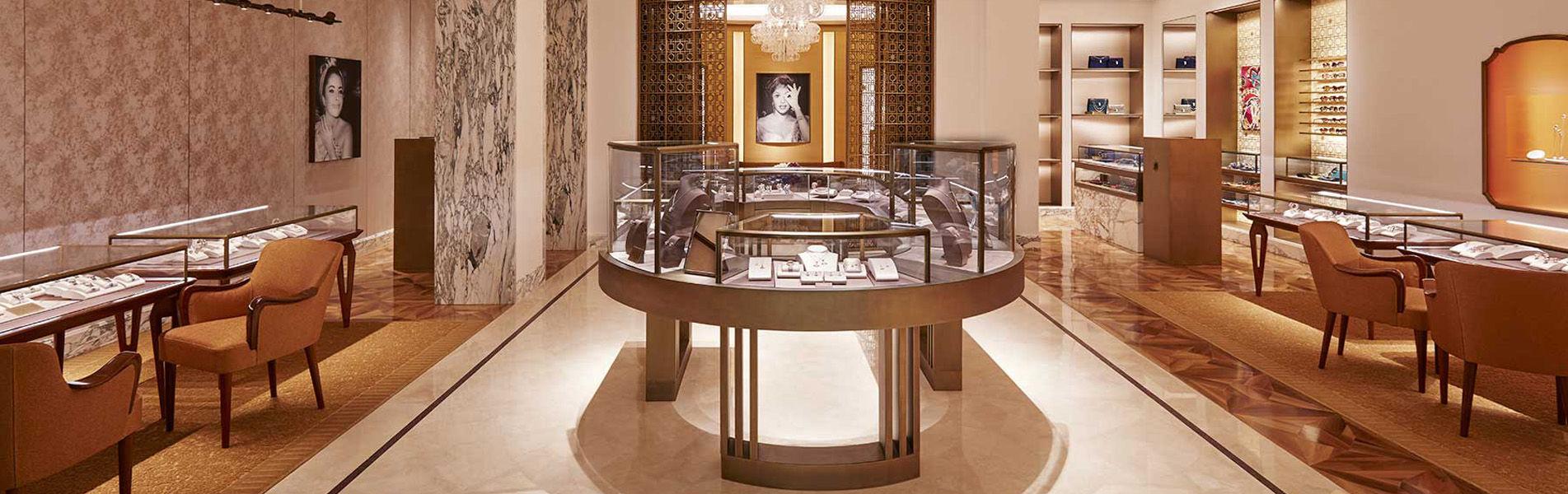 Jewelry Showcase Design